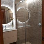 Reforma de baño e iluminación decorativa